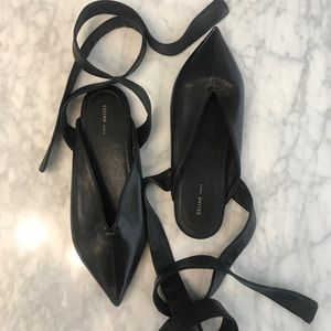 LOWEST🔥 Celine Strappy Leather Flat